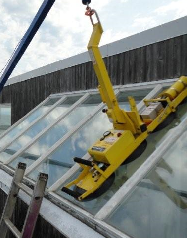 Lifting Glass to Soffit