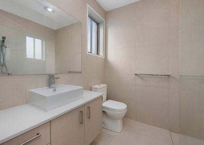 mcclamon drive pelican waters bathroom
