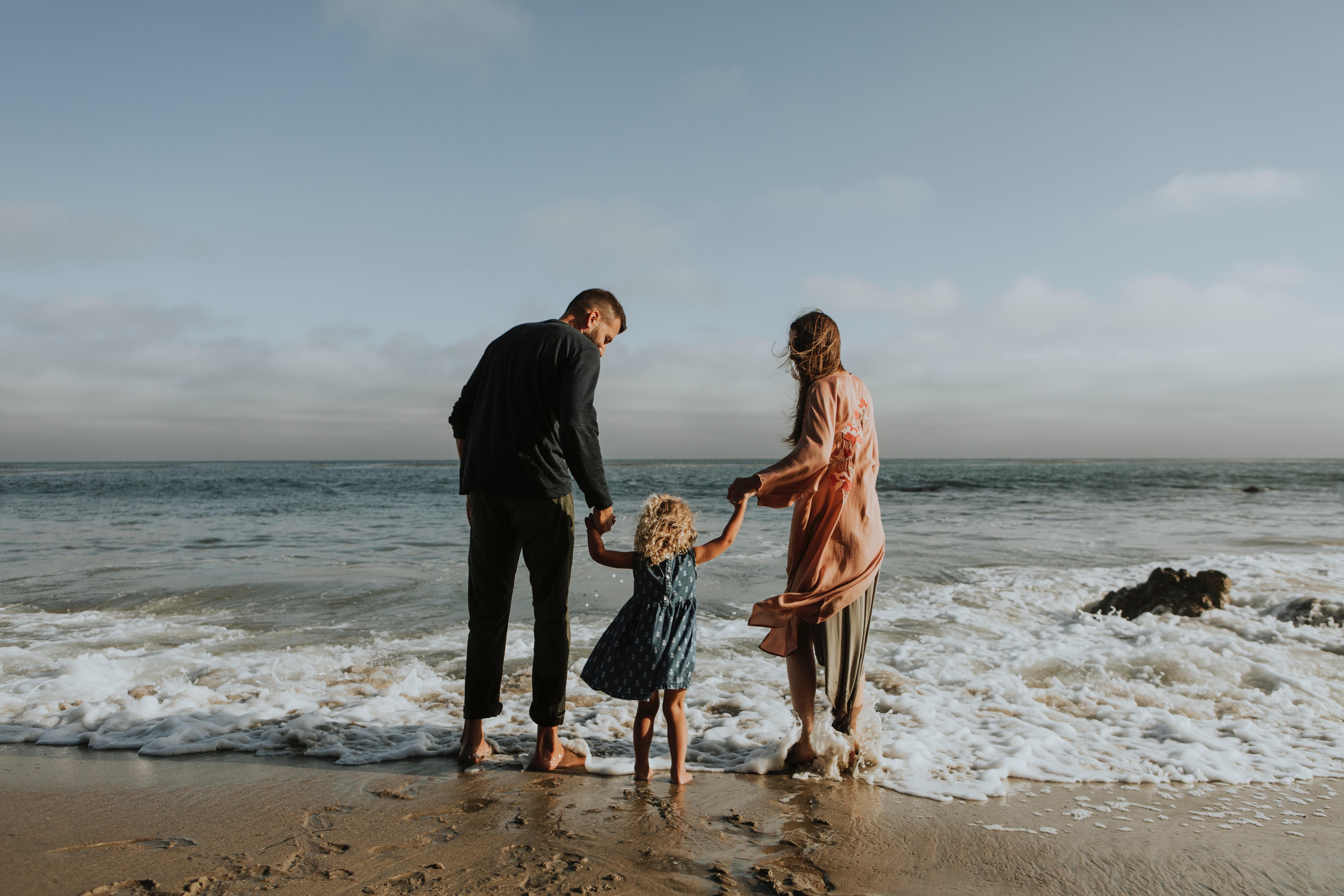 barefoot-beach-cheerful-1574653