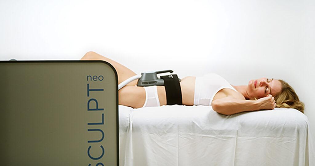 Vitality_Medicine_Ocala_FL_Emsculpt_Neo_PIC_Female-Model-Device-Abdomen-28_ENUS100 for site2