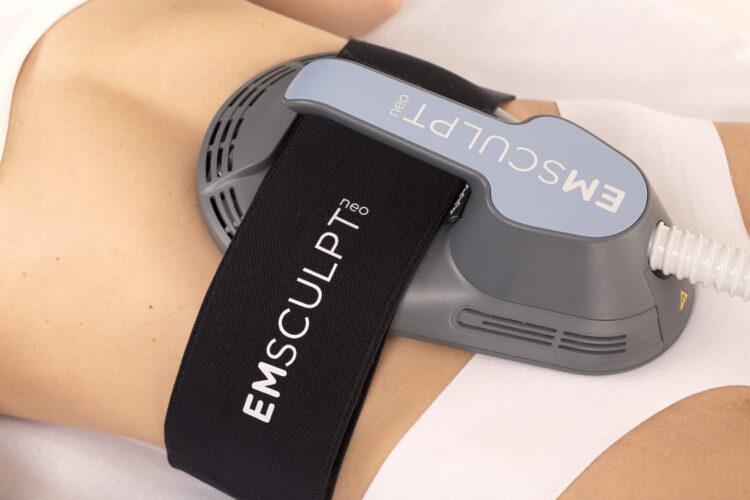 Emsculpt NEO treats the abdomen
