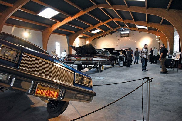 Governor Visits Lowrider Museum