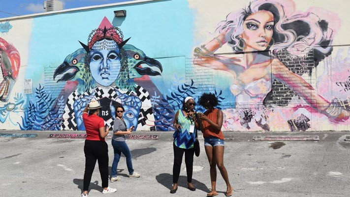 Miami residents learned about Hialeah's Hispanic heritage during recent tour