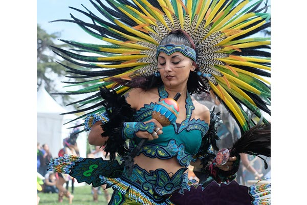 Oakland museum celebrates Chicano rights and Dia de los Muertos