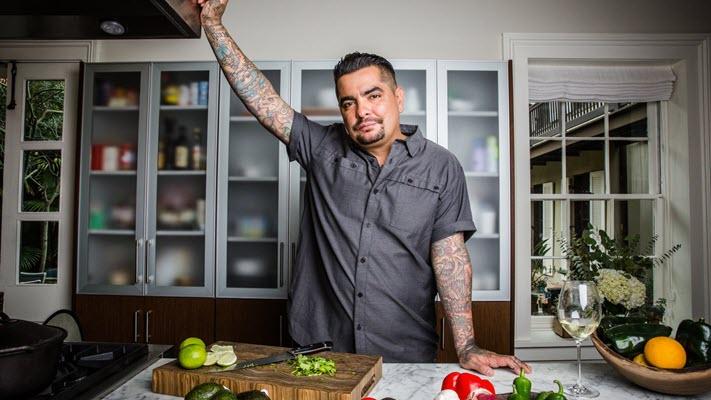 El Paso-born Aarón Sánchez shakes up celebrity chef culture with a focus on his Latino heritage