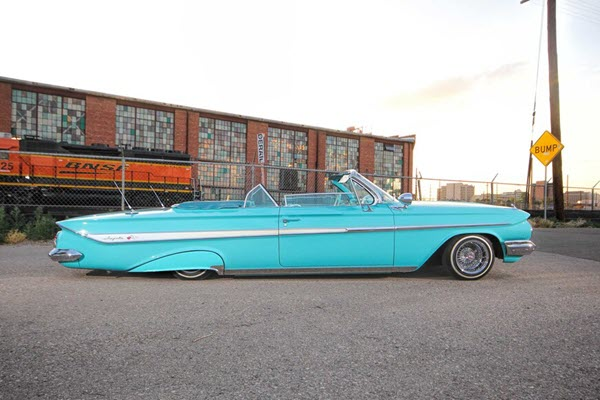 This 1961 Chevrolet Impala Convertible Is Aqua Awesome