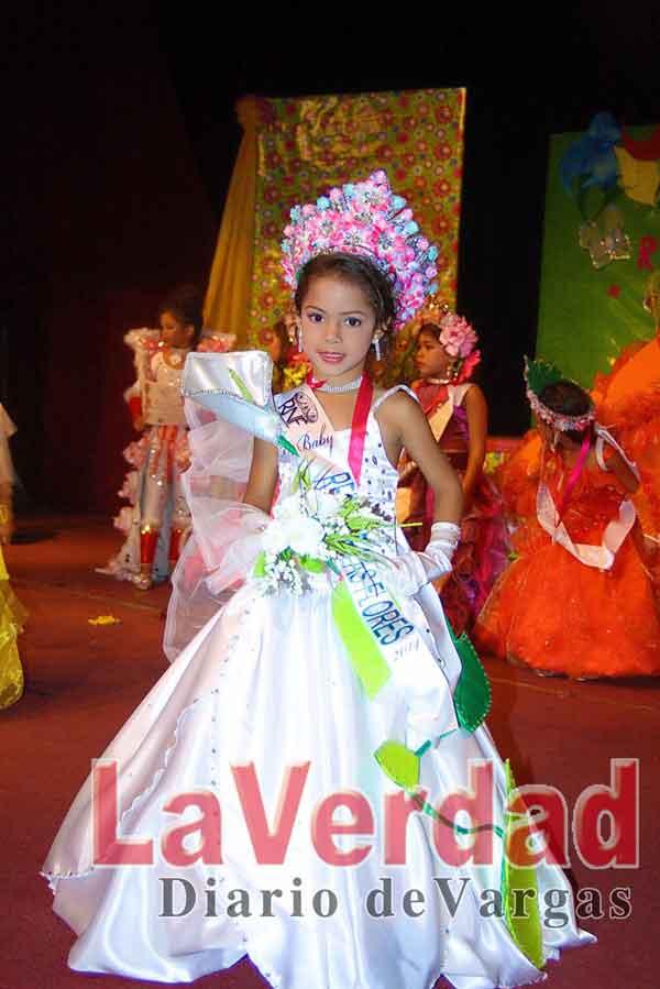 Reinas nacional de las flores coronó nuevas soberanas