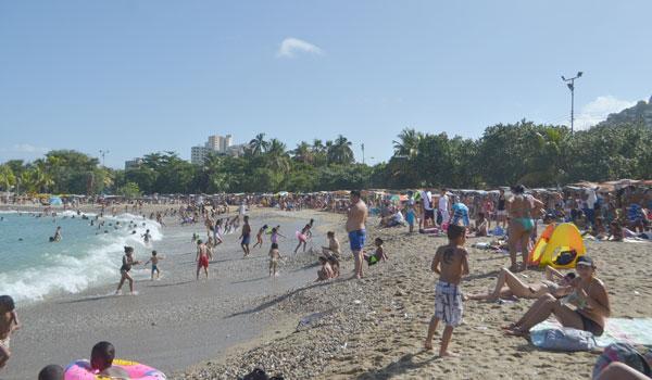 Ronda en Bs. 10 mil disfrutar un día Playa en familia