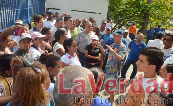 Trabajadores del Club Puerto Azul protestan por pagos chucutos