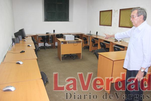 Vándalos desmantelan Escuela Taller La Guaira