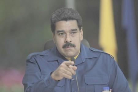 Para aplacar la crisis, Maduro piensa en cambiar al vicepresidente y tres ministros