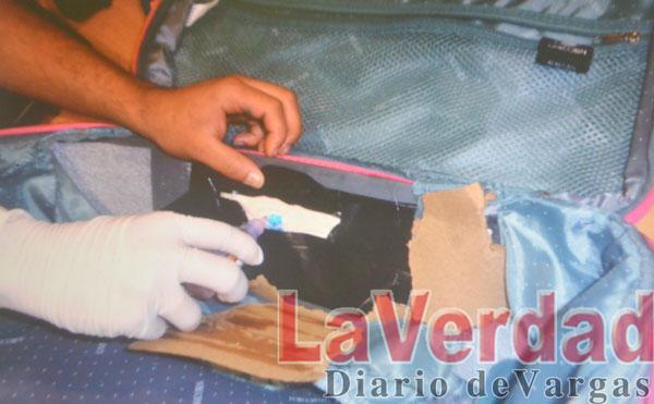 Pillan a maracucho con maleta rellena de cocaína