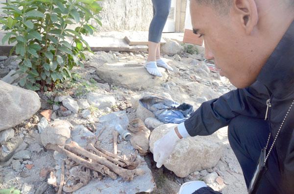 Localizan huesos humanos en Los Corales