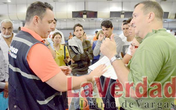 Conviasa deja varados en Maiquetía a más de 400 pasajeros con destino a Buenos Aires y Madrid