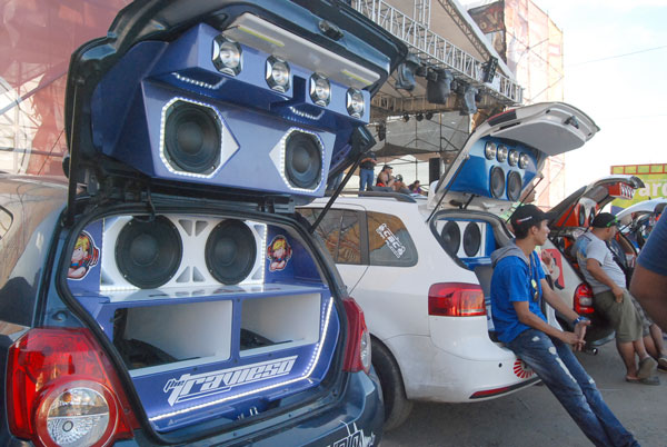 Vargas se estremeció con la VI edición del Sound Car Show