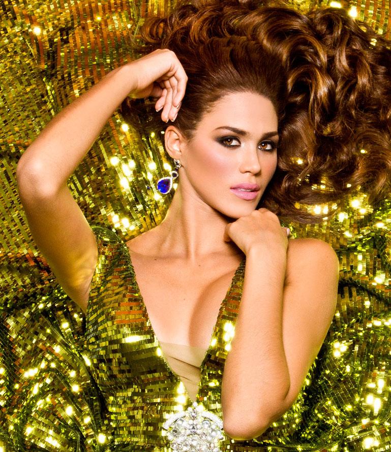"""Debora Menicucci montada y con mucho brillo para el """"Miss Mundo 2014"""""""
