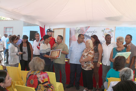 Ediles prometen asfaltado y casa de la cultura en sesión de 454 aniversario de Caraballeda