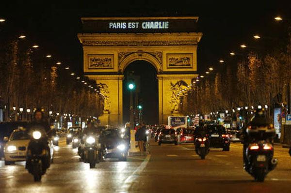 Doble secuestro concluye en Francia con 3 yihadistas y 4 rehenes muertos