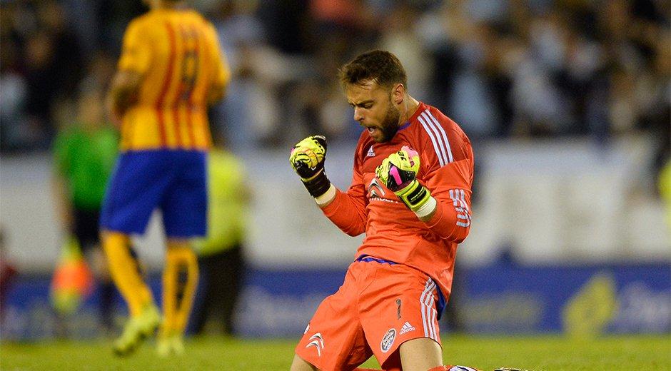 Celta de Vigo golea a Barcelona y le quita el liderazgo