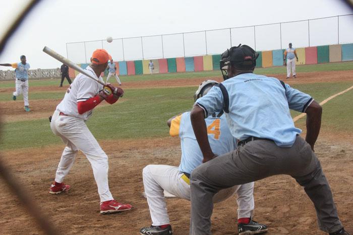 Obreros educacionales ganaron en softbol docente