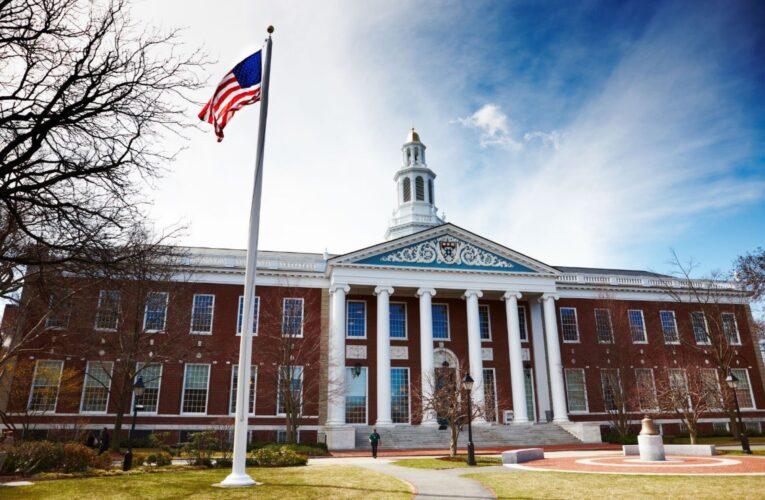 Harvard y MIT piden a la Justicia  anular suspensión de visas   a estudiantes extranjeros