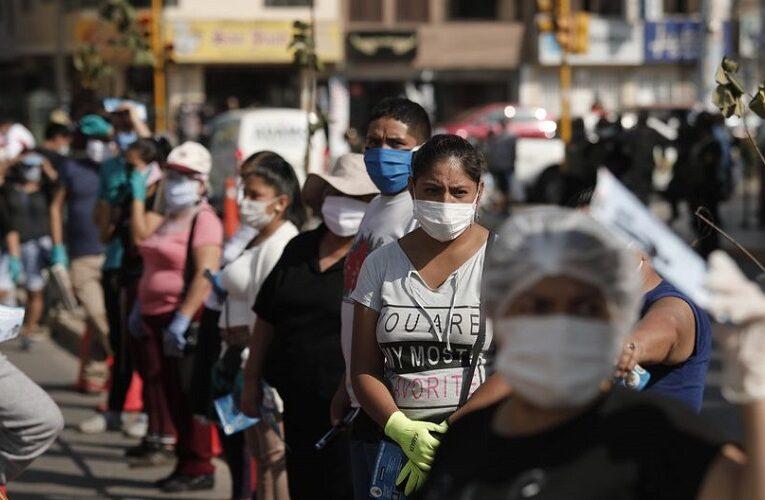 Perú roza los 300 mil casos  y supera las 10 mil muertes por Covid