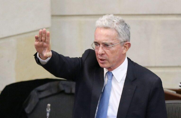 Álvaro Uribe rechazó que médicos cubanos vayan a Colombia