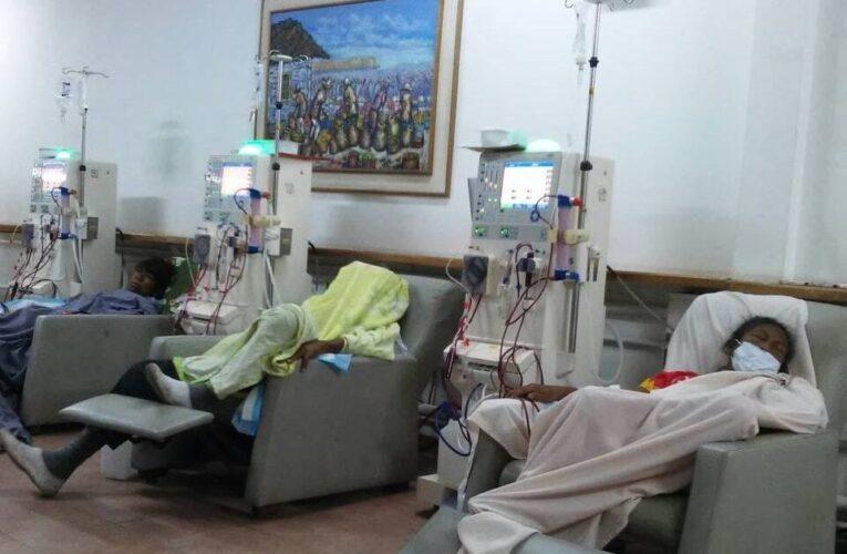 Canibalizan máquinas de hemodiálisis en el Seguro por la emergencia