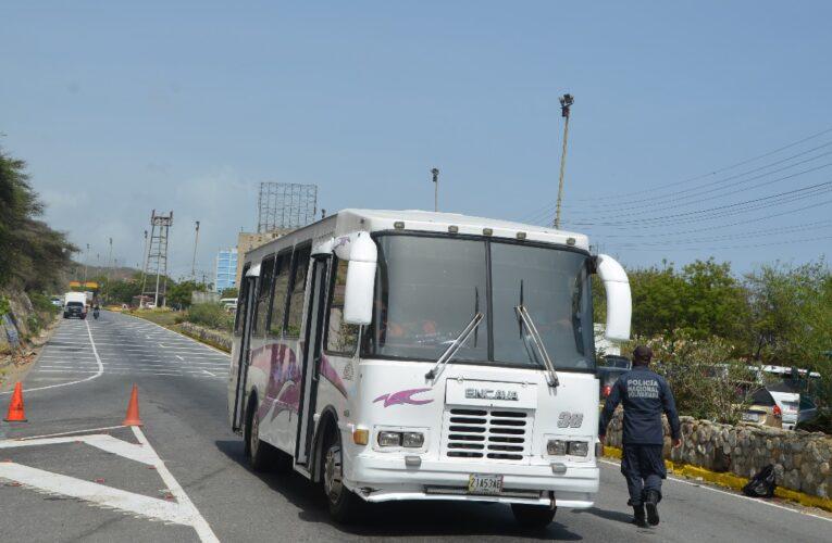 Con la cuarentena radical en Caracas  regresaron las trancas en la autopista