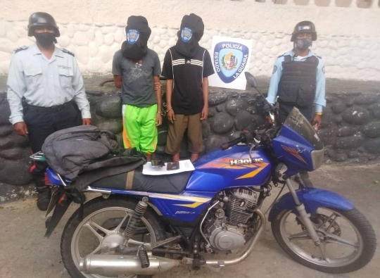 Con un cuchillo le robaron los teléfonos a dos mujeres en Tanaguarena