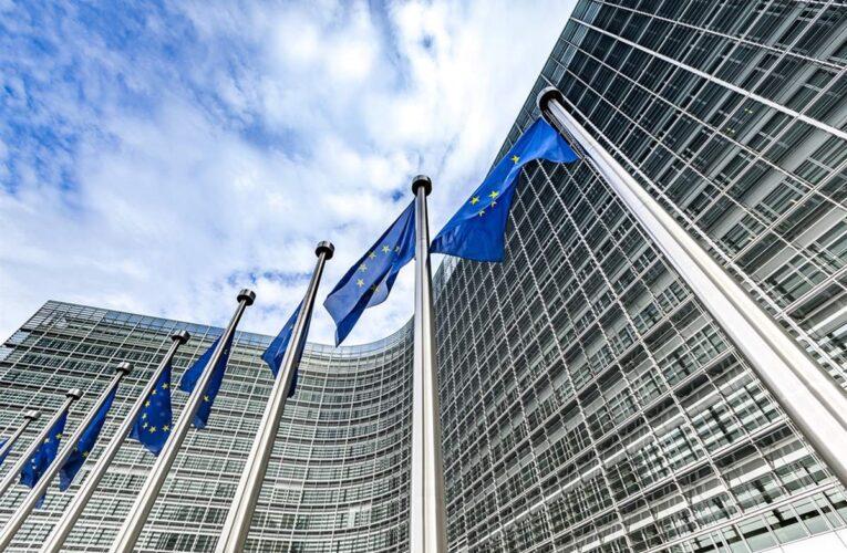 UE aprueba fondo pospandemia de $840 mil millones