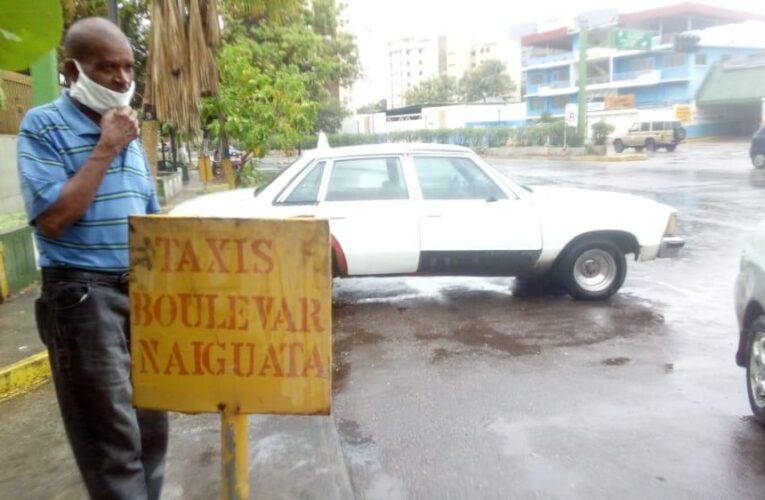 Solo quedan 4 carros de 20 en la línea de taxis El Bulevar