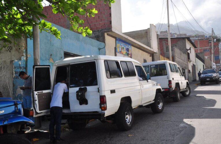 En Punta de Mulatos se turnan 3 Jeep diarios para ahorrar gasolina y cauchos