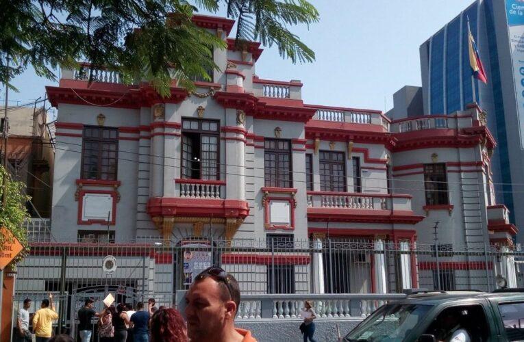 Embajada de Venezuela en Perú se prepara para reinicio de trámites de legalización