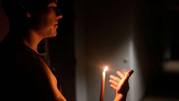 En La Costa viven de apagón en apagón