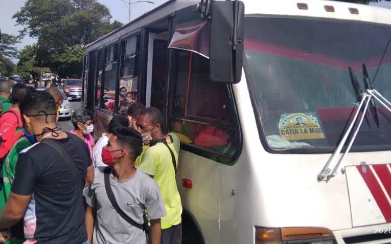 Choferes de la urbana piden apoyo de Mintransporte para evitar el colapso