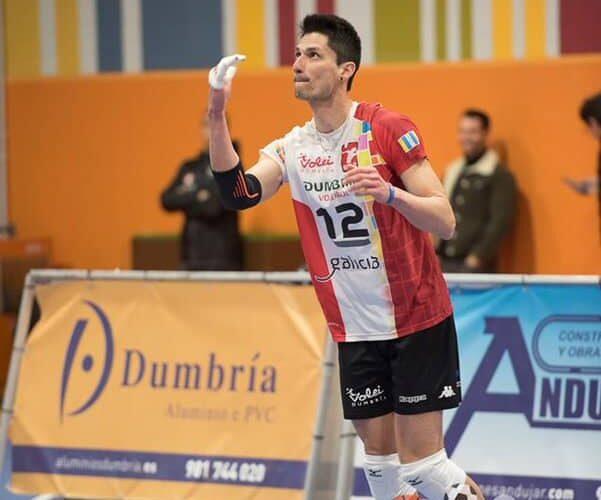 González jugará un año más en el voleibol español