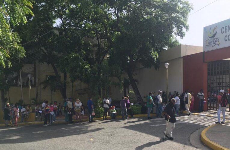 100 números entrega FarmaPatria en Macuto y hacen falta más