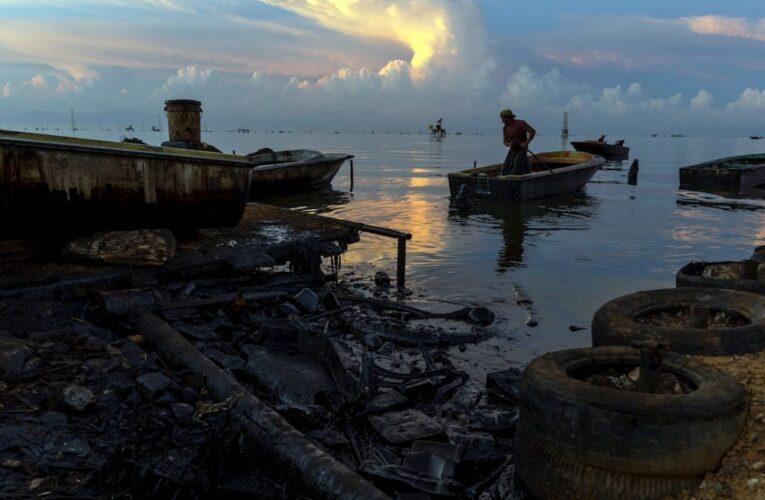 Denuncian grave contaminación en el Lago de Maracaibo