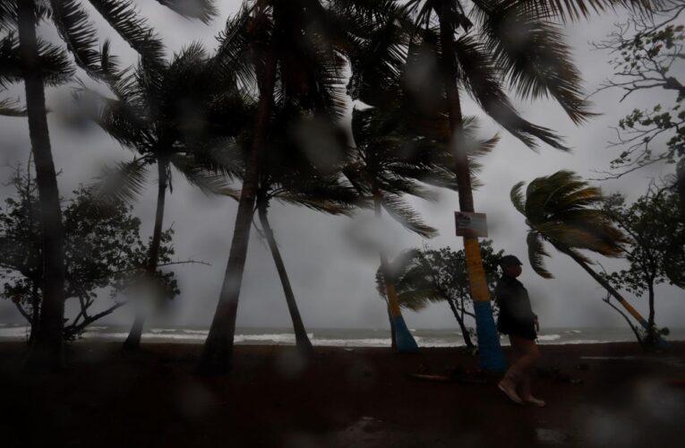 Tormenta Laura deja tres muertos en República Dominicana