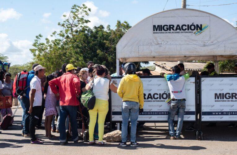 Gobierno prohíbe el ingreso de venezolanos desde Colombia