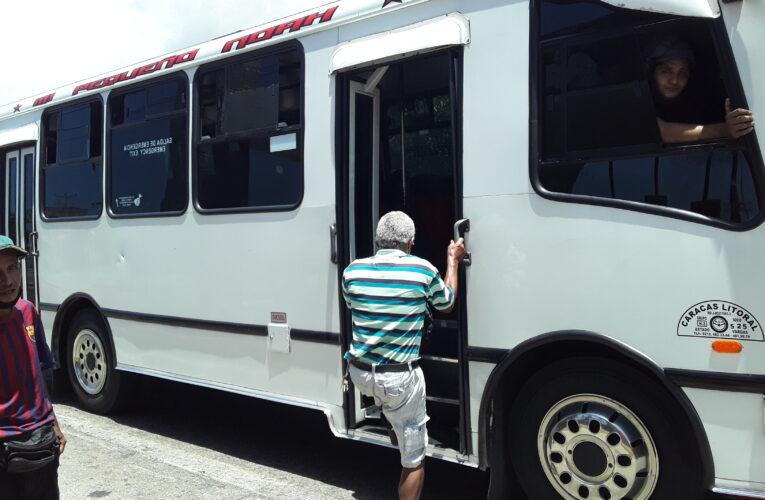 Transportistas de la Caracas-La Guaira cobran entre Bs.70 mil y 100 mil