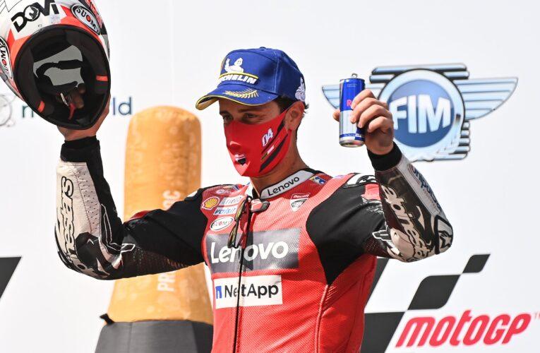 Dovizioso gana accidentada carrera en Austria
