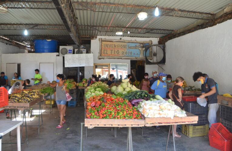 Comerciantes de Naiguatá reportan pocas ventas en la radicalización