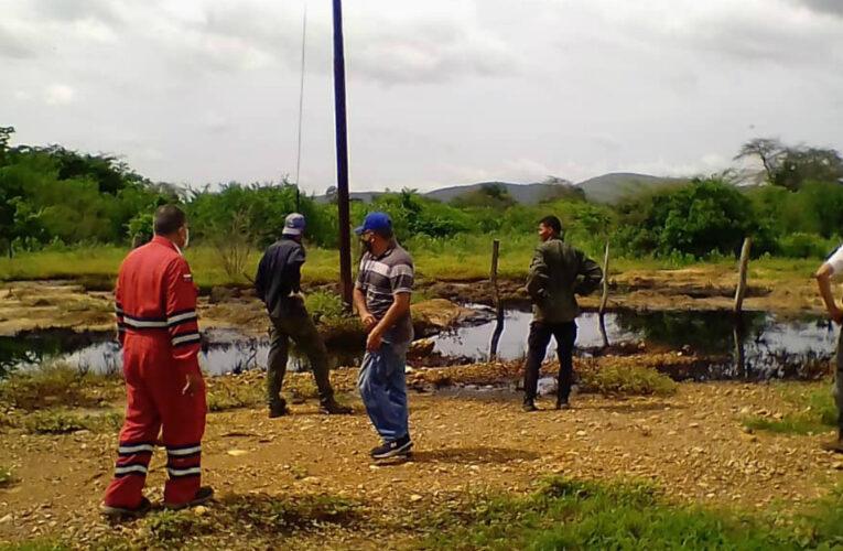Alertan sobre derrame de petróleo en norte y sur de Anzoátegui