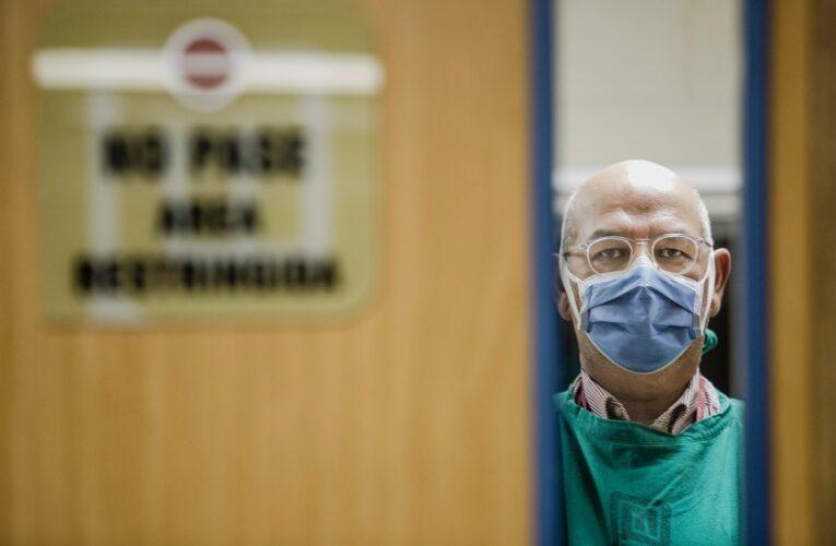 Doctor Julio Castro dio positivo