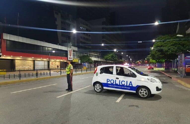 Puntos de control restringen acceso a Caracas
