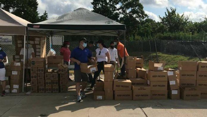 Embajada de Venezuela en EEUU entregó alimentos gratuitos en Houston