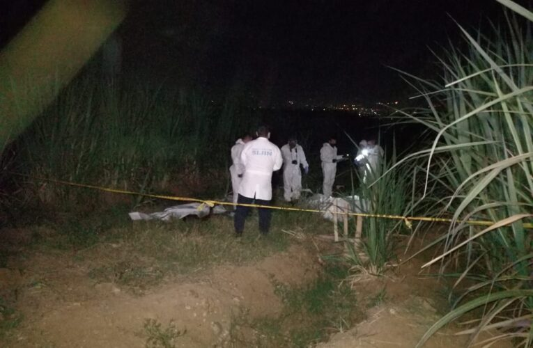 Encapuchados asesinan a tres personas en Colombia