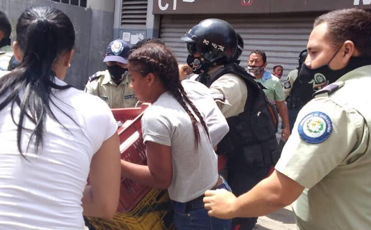 Denuncian maltrato policial